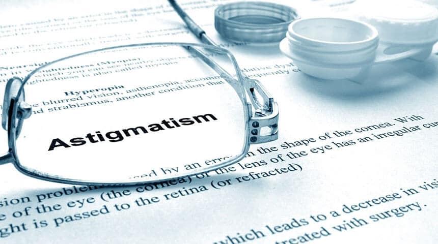 comment voit un astigmate